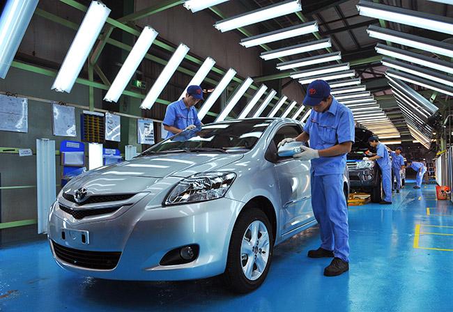 Khởi động năm 2017 doanh số ngành ô tô sụt giảm mạnh