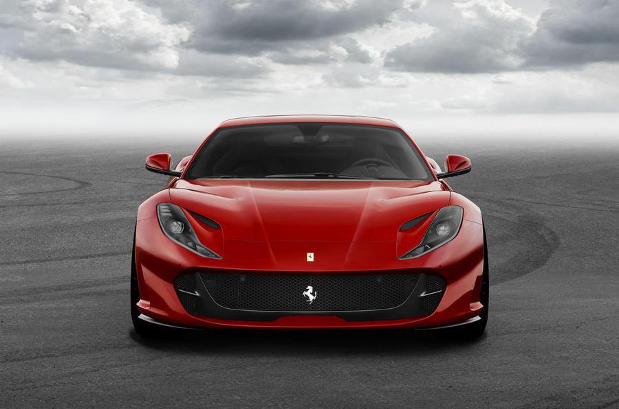 Ferrari ra mắt siêu xe mới 812 Superfast