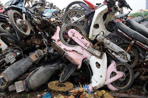"""Ô tô, xe máy """"quá đát"""" sẽ bị thu hồi, thải bỏ từ 1/1/2018"""