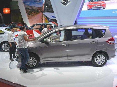 Có nên chờ 2018 mua ô tô giá rẻ?
