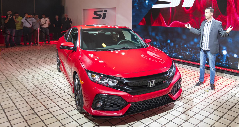 Hai phiên bản sedan và coupe của Honda Civic Si sẽ được bán tại Mỹ từ tháng 5/2017