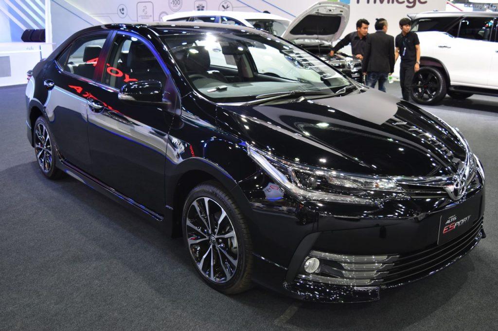 Ảnh thực tế của Toyota Corolla ESport 2017 tại Thái Lan