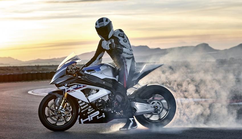 BMW Motorrad HP4 Race 2017 chỉ sản xuất trong giới hạn 750 chiếc