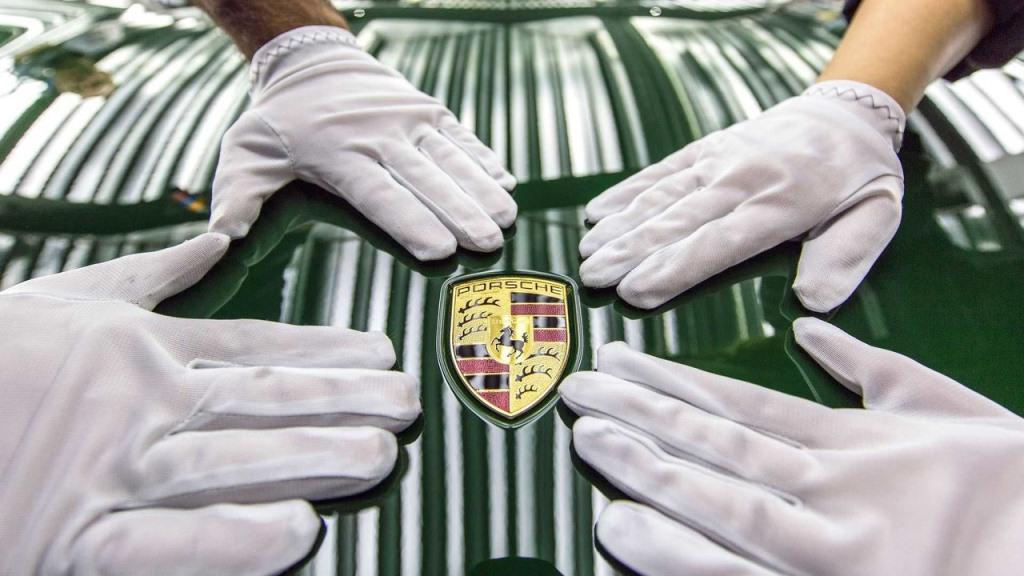 Huyền thoại Porsche 911 thứ 1 triệu xuất xưởng