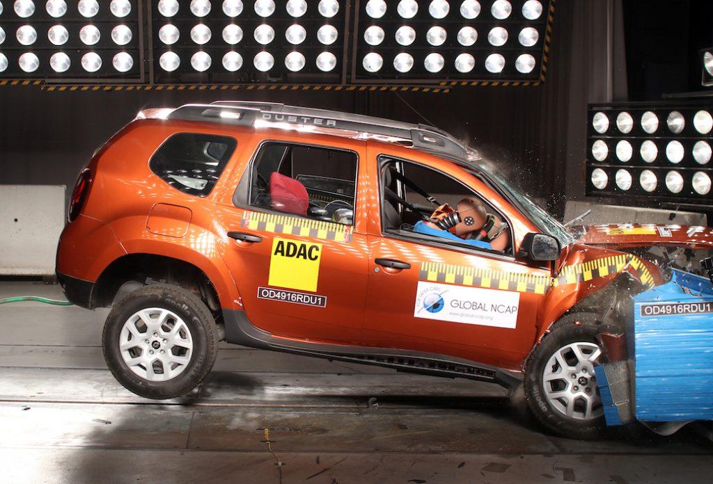 SUV giá rẻ Renault Duster đạt điểm 0 trong thử nghiệm độ an toàn