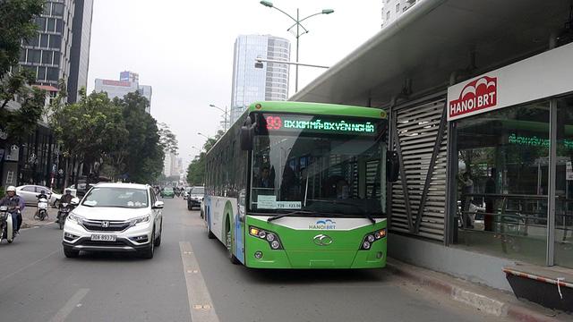 Xe buýt BRT và sự yếu kém đáng ngờ của quy hoạch