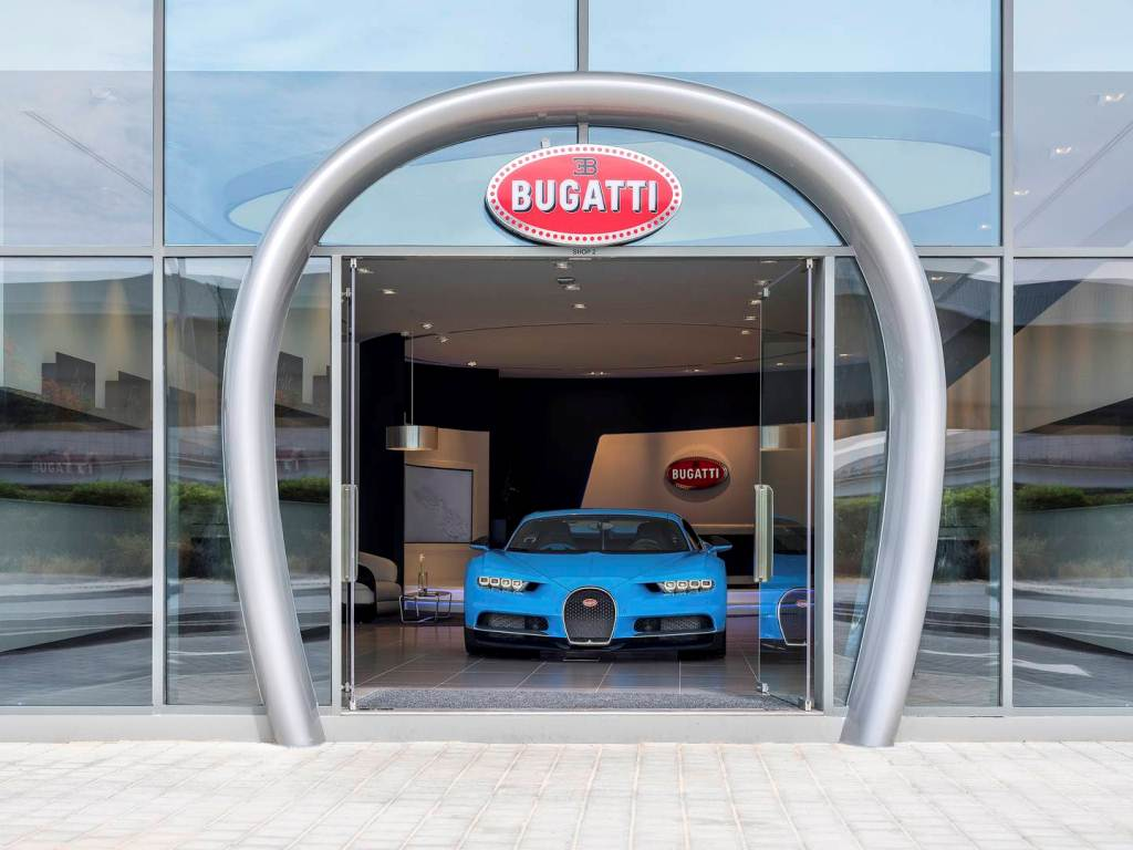 Showroom Bugatti lớn nhất tại Dubai chỉ trưng bày duy nhất một xe