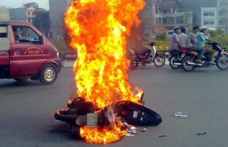 Cách nào phòng ngừa cháy nổ xe máy?