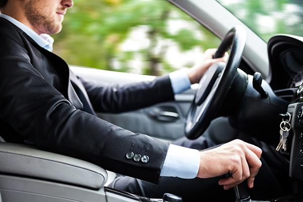 5 sai lầm phổ biến khi lái xe số tự động