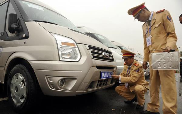 Tư vấn: Thủ tục xin cấp lại giấy đăng ký xe ô tô cần có gì?