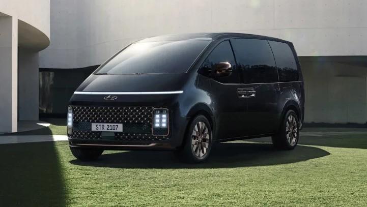 Trình làng Hyundai Staria 2021: Động cơ, trang bị vượt mặt Mitsubishi Xpander nhưng ngoại hình kỳ lạ sẽ khó chinh phục khách Việt