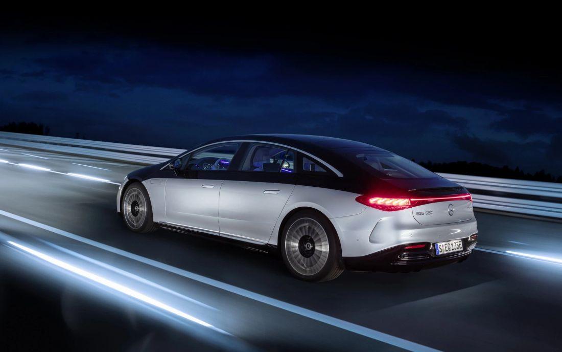 Mercedes-Benz EQS chính thức hiện diện, nâng tầm xe điện hạng sang
