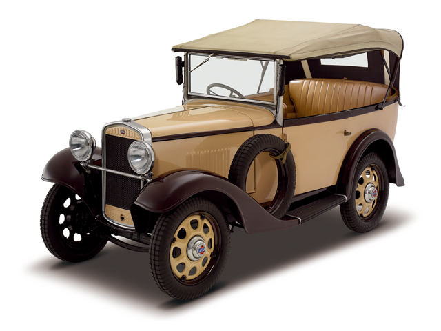 1933 Datsun 12 Phaeton - Máy Water-cooled, 4-cylinders, SV, 748cc, 9kW (12PS)