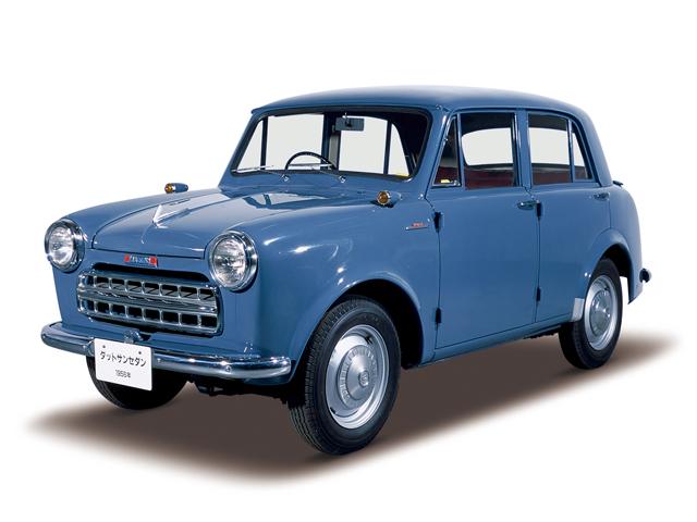1956 Datsun Sedan - Máy Type D10 (4-cyl. in line, SV), 860cc, 18kW (24PS), tốc độ tối đa 85kmh