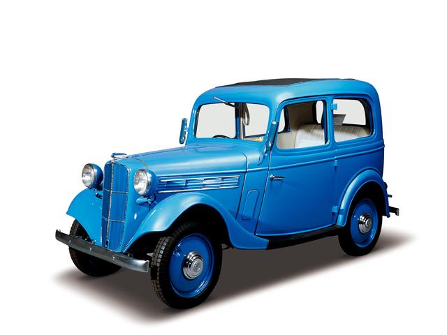 1937 Datsun 16 Sedan - Máy Type 7 (4-cyl. in line, SV),722cc, 12kW (16PS) tốc độ tối đa 80kmh