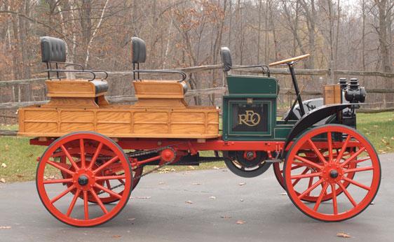 1914 REO Depot Truc