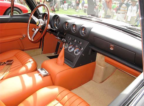 Mỗi chiếc 400 Superamerica được làm riêng cho người sở hữu đầu tiên và không có chiếc thứ hai giống thế.