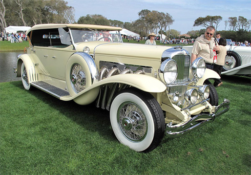 Duesenberg Model J 1931. Vào thời điểm ra mắt, chỉ bộ khung gầm của xe đã có giá 8.500 USD, khoảng 100.000 USD hiện nay.
