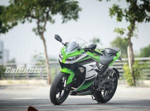 """Một ngày thử sức """"quỷ nhỏ"""" Kawasaki Ninja 300 ABS"""