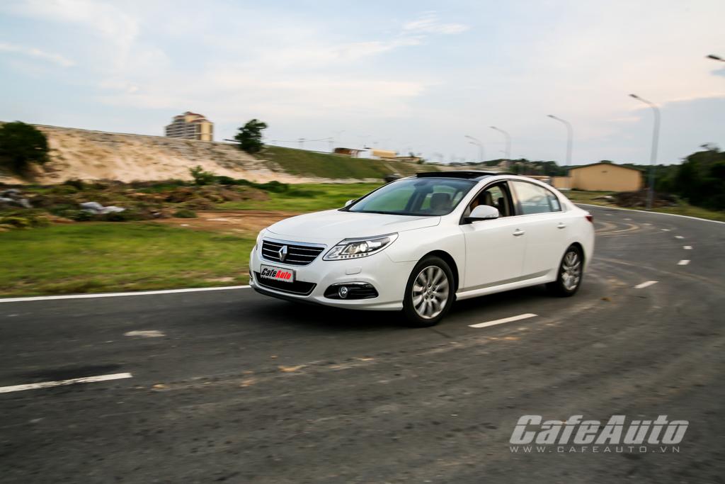 Một ngày cùng Renault Latitude sedan chuẩn mực Pháp