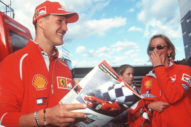 Michael Schumacher tỉnh lại sau hôn mê sâu