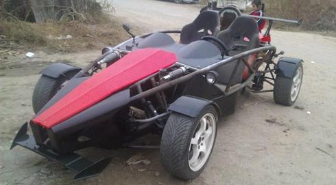 Thợ cơ khí Trung Quốc sản xuất 'xe đua F1'