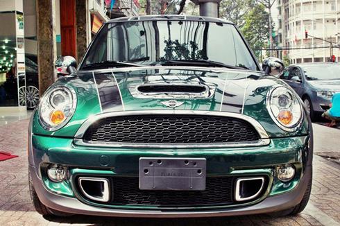 Mini Cooper S màu 'lạ' ở Sài Gòn