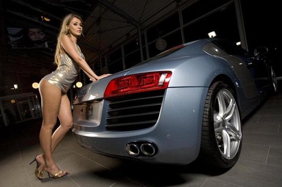 Audi R8 sống động cùng người đẹp