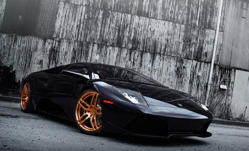 Ngắm Lamborghini LP640 với mẫu vành hợp kim vàng