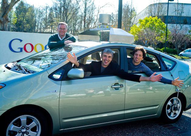 Google tìm đối tác sản xuất xe tự lái