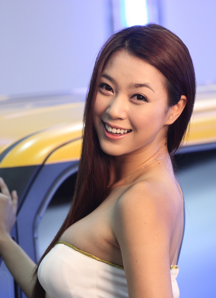 Ju Da Ha tỏa sáng tại triển lãm Seoul 2012
