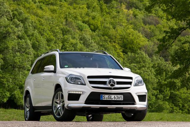 Video đầu tiên của Mercedes GL63 AMG 2013
