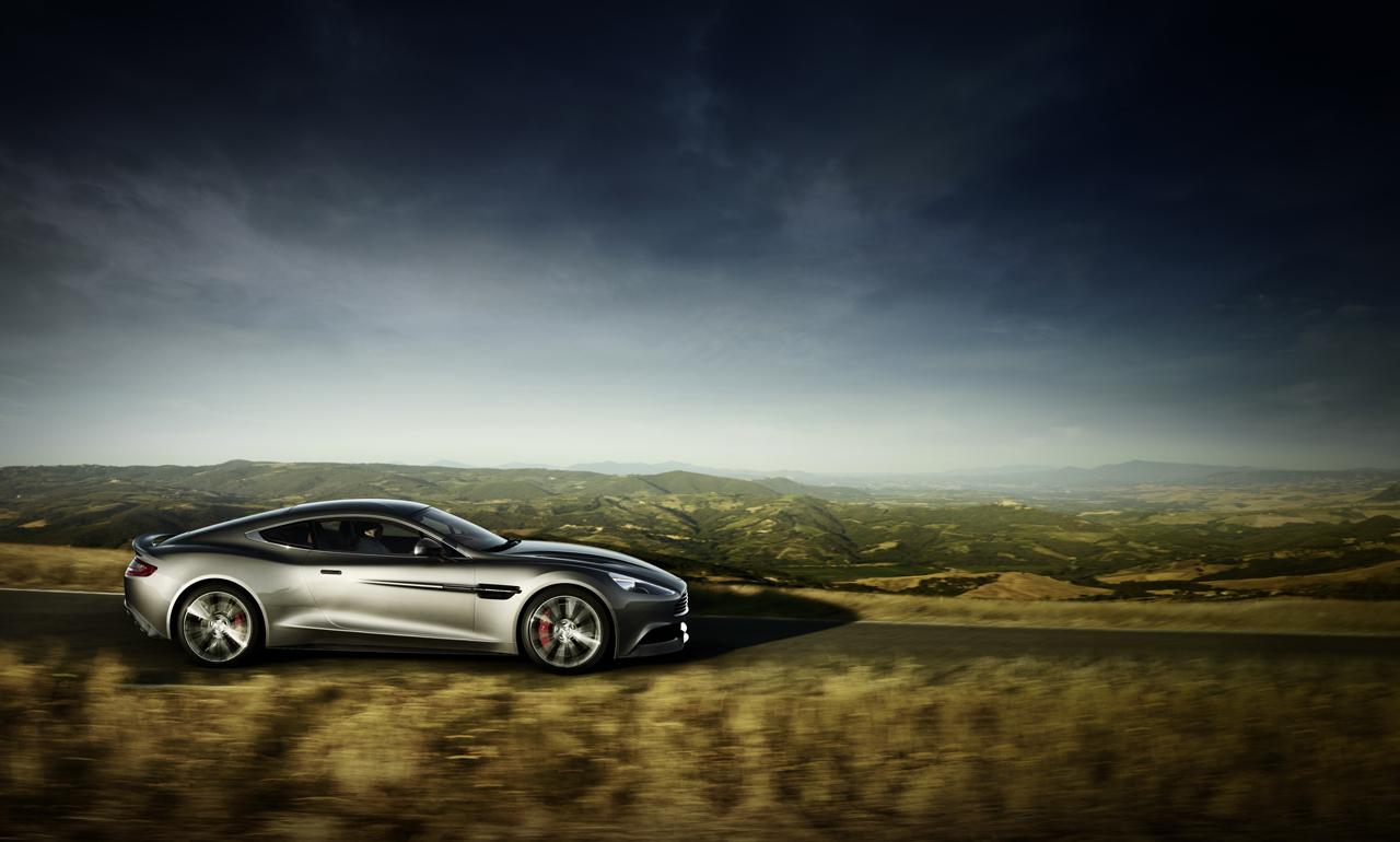Aston Martin Vanquish đẹp rực rỡ dưới ánh hoàng hôn