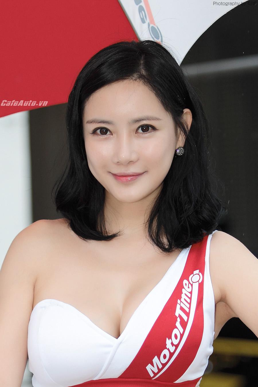 Người đẹp Hàn đốt cháy đường đua