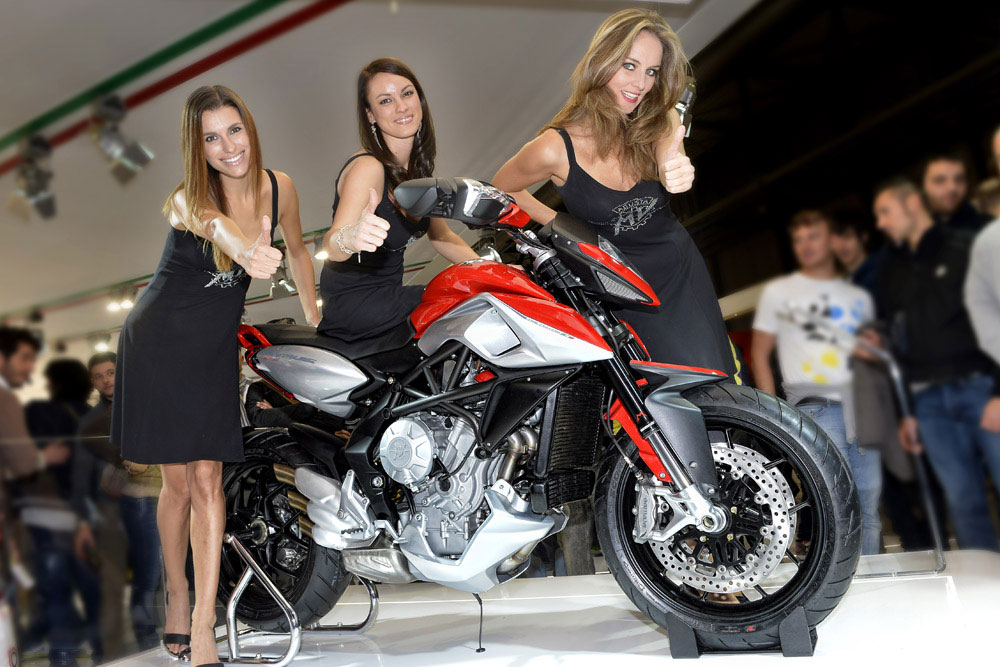 MV Agusta Rivale 800 2013 nữ hoàng của EICMA Show 2012