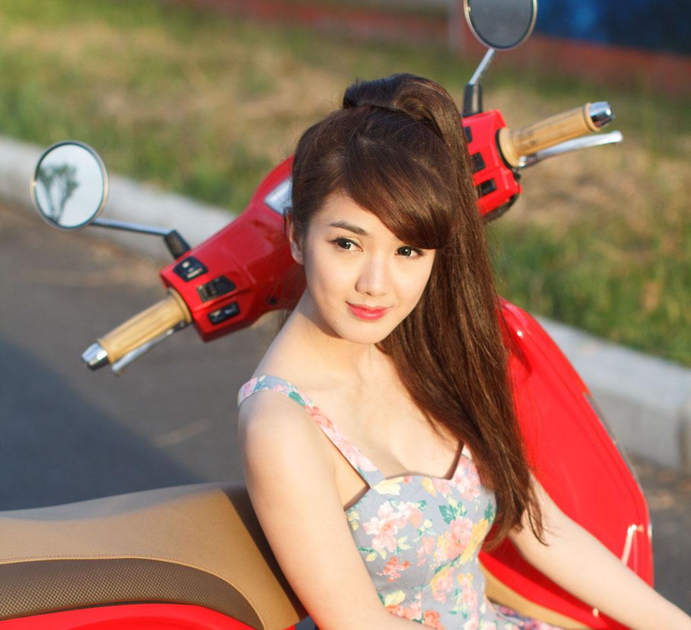 Hotgirl Linh Napie khoe dáng bên Kymco Many Fi 125