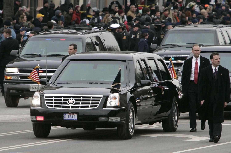 Hãng nào sẽ giành hợp đồng xe mới với tổng thống Mỹ?