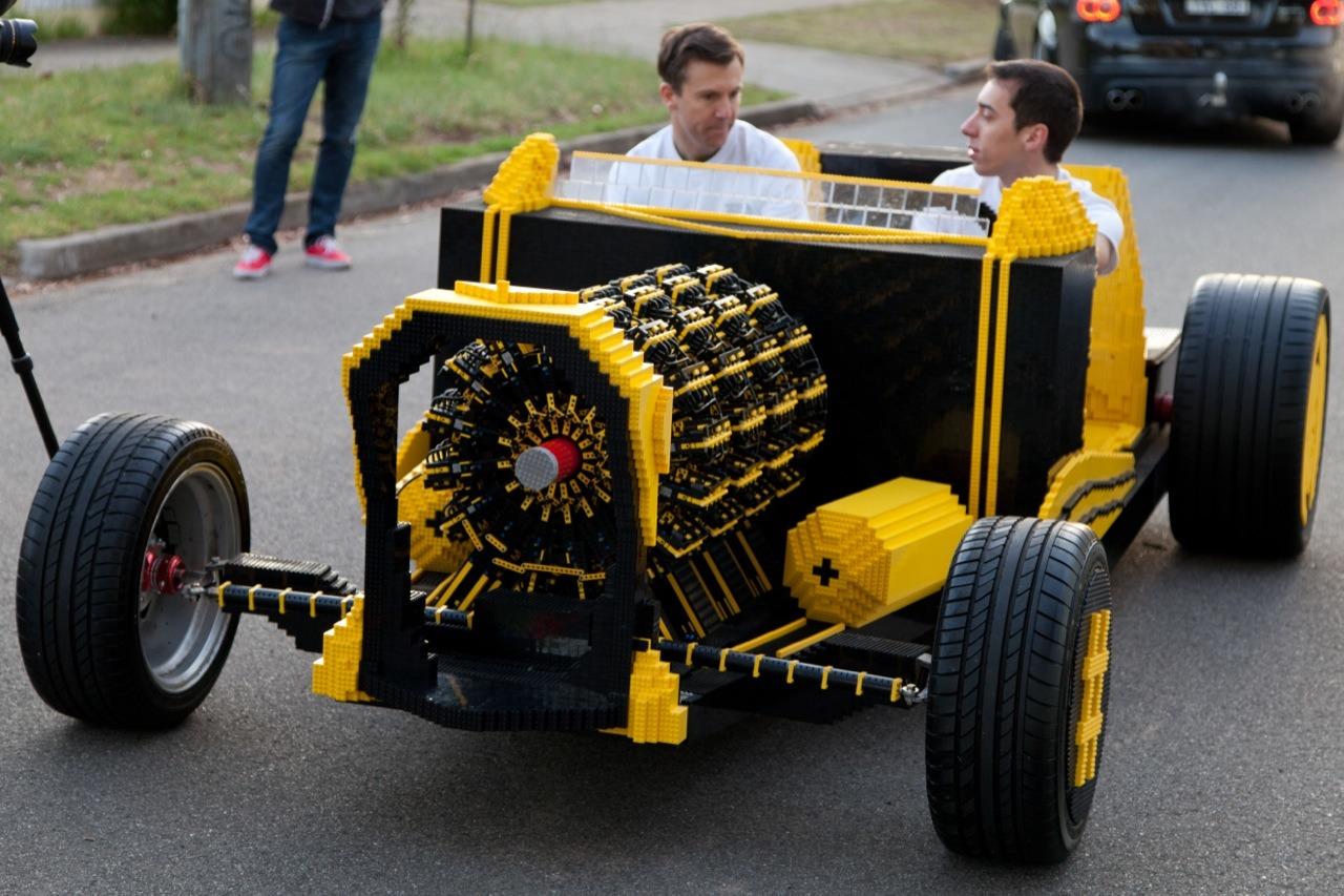 Xe Lego chạy bằng khí nén cực độc