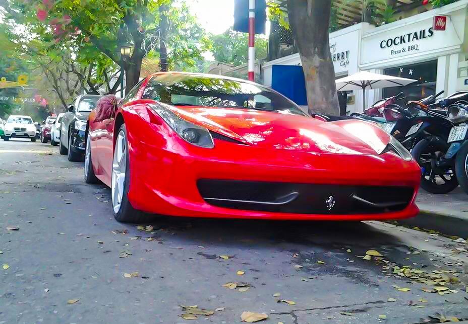 Ngắm dàn siêu xe và xe đắt tiền xuống phố đầu năm mới (P.1)