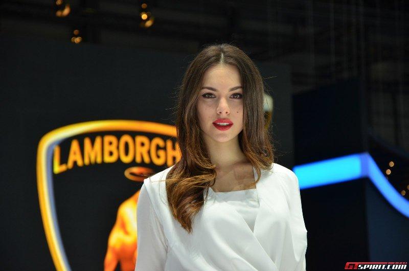 Ngọt ngào bóng hồng tại Geneva Motor Show