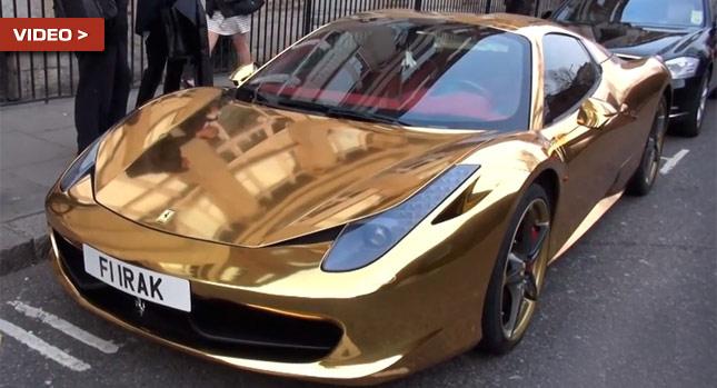 Cận cảnh Ferrari mạ vàng nổi bật trên đường phố Anh