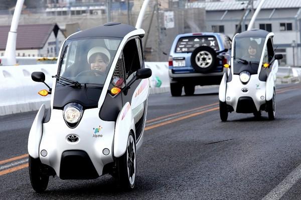 Cận cảnh quá trình test Toyota i-Road trên phố