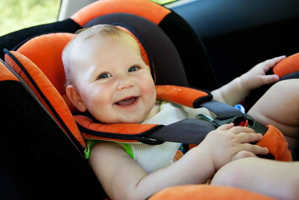 An toàn cho trẻ nhỏ khi đi ô tô