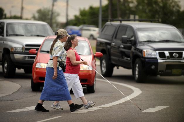 Châu Âu: xe điện phải ồn hơn, xe thường phải êm hơn