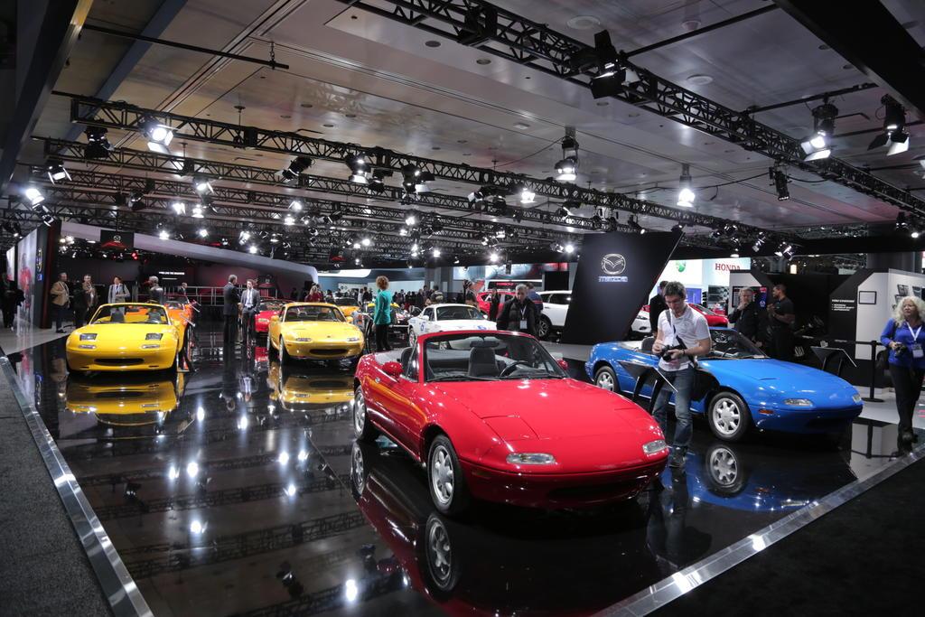 Bộ sưu tập xe thể thao Mazda MX-5 qua 25 năm tồn tại