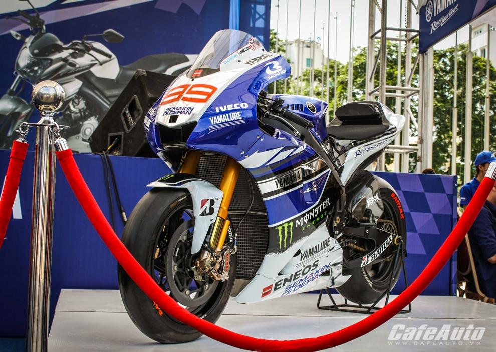 Chiêm ngưỡng siêu mô tô triệu đô Yamaha M1 tại Việt Nam