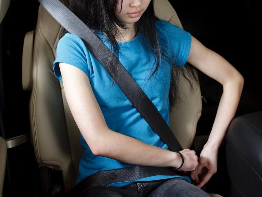 """GM """"cấm"""" khởi động xe nếu chưa đeo đai an toàn"""