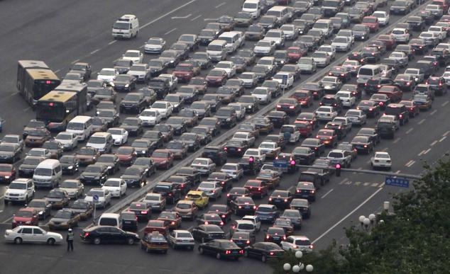 """Ô nhiễm tăng cao, Trung Quốc """"thủ tiêu"""" 6 triệu xe"""