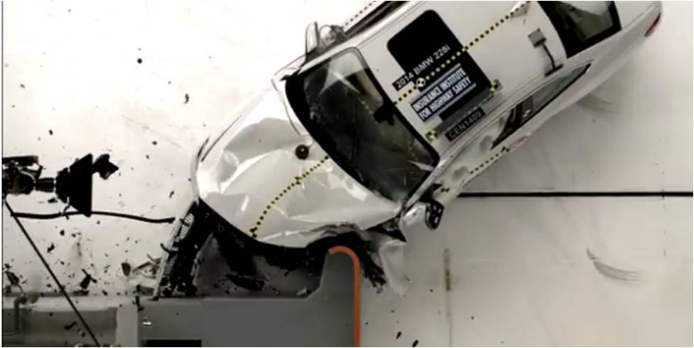 BMW 2-Series 2014 giành điểm tuyệt đối về an toàn
