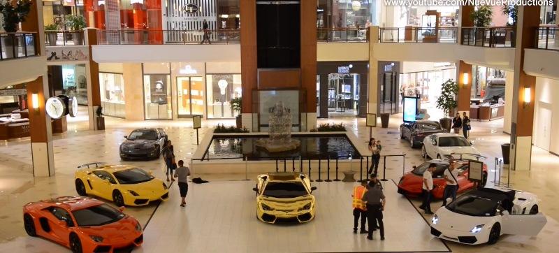 5 Lamborghini dạo chơi trong trung tâm mua sắm